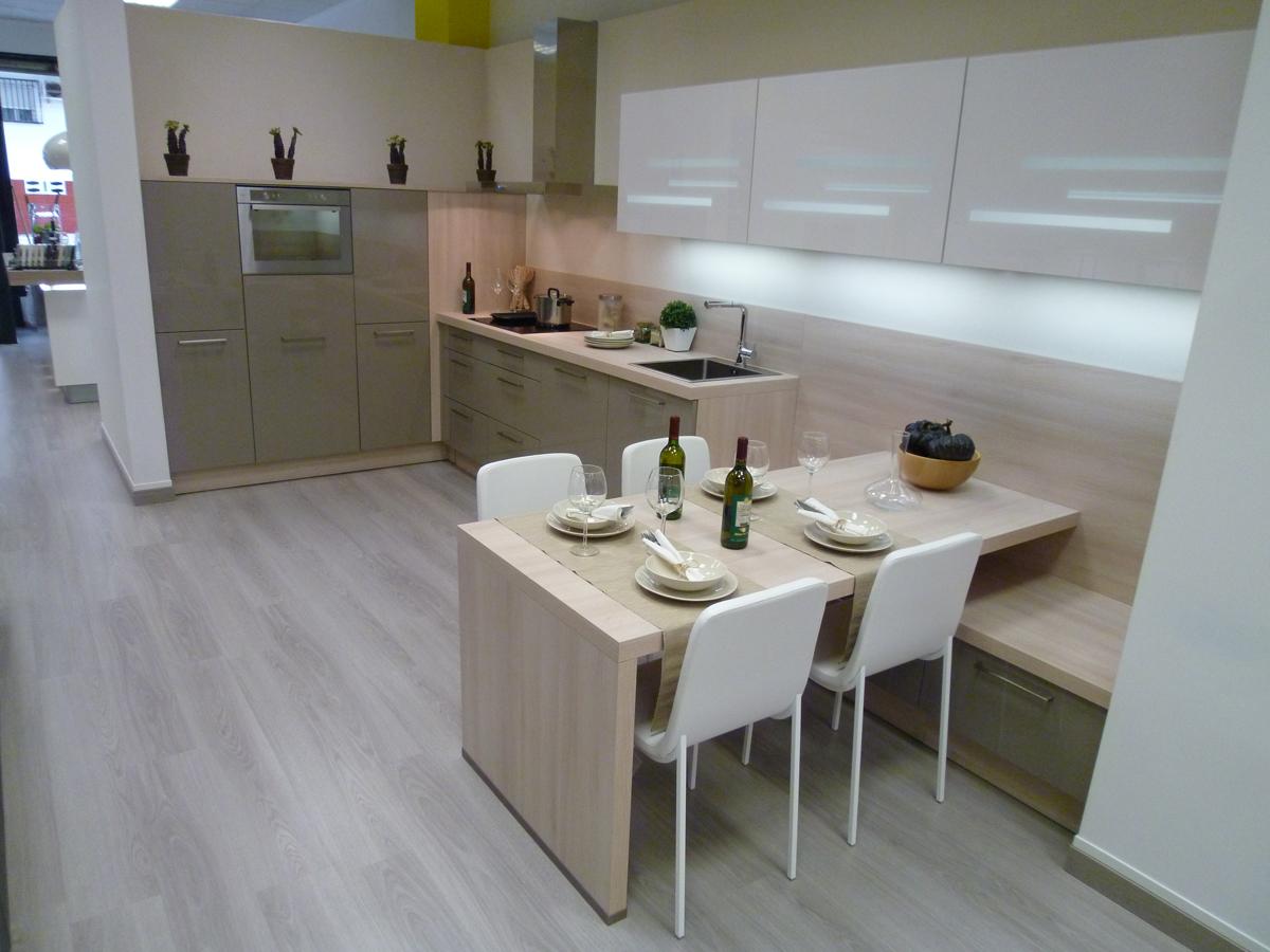 Integrando un espacio para comer en la cocina